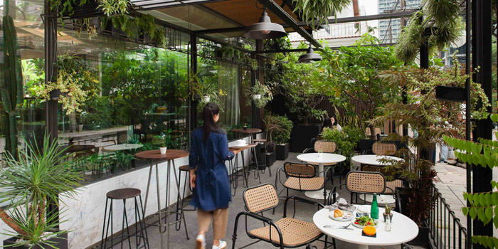 Outdoor Seating of Herringbone at 26/1 Sukhumvit 53 Alley Khlong Tan Nuea, Wattana Bangkok