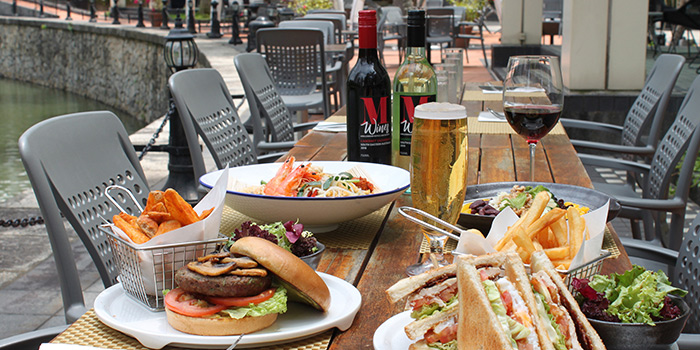 Alfresco Dining from Food Capital at Grand Copthorne Waterfront Hotel in Robertson Quay, Singapore