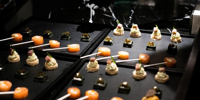 Selection of Food from Pruek Cruise at 299 Charoen Nakhon Rd, Khwaeng Khlong Ton Sai, Khet Khlong San, Bangkok