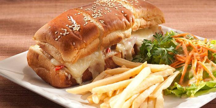 Chicken & Cheese Sandwich at Mucca Steak (Citywalk Sudirman), Jakarta