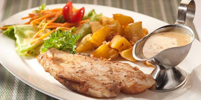 Grilled Chicken Rosemary at Mucca Steak (Citywalk Sudirman), Jakarta