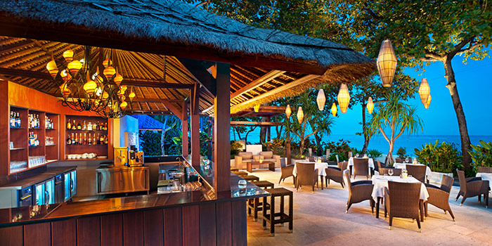Bar at Arwana Restaurant (The Laguna, a Luxury Collection Resort & Spa)