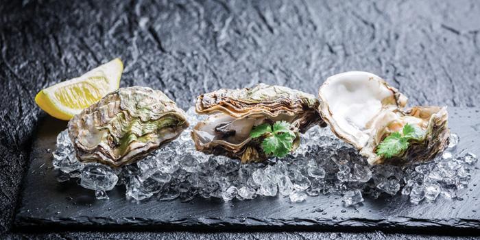 Fresh Oysters, LEVELthirty Lounge & Bar, Shatin, Hong Kong