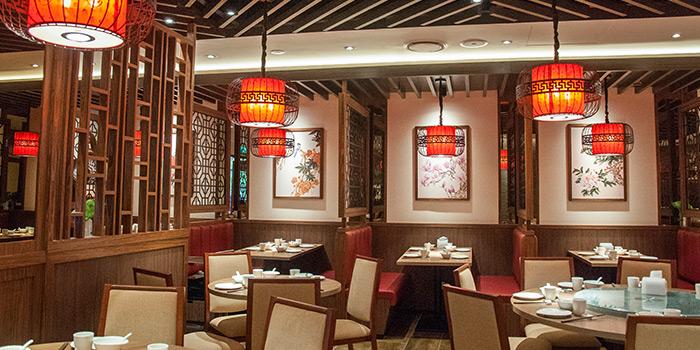Interior of East Treasure Chinese Restaurant Chinese Restaurant in Clarke Quay, Singapore