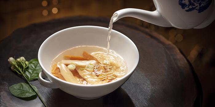 Fresh Clam and Jasmine in Chicken Soup, Golden Flower, Wynn Macau, Macau