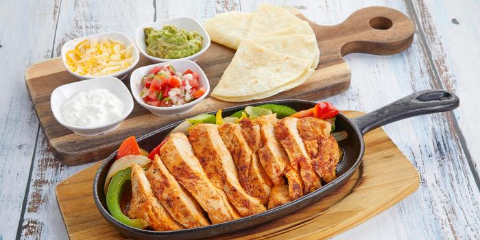 Chicken Fajitas from Slanted Taco at 16 Sukhumvit Soi 23 Khlong Toei Nuea Bangkok