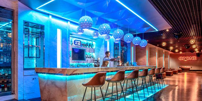 Ozone Bar & Karaoke (The Ritz-Carlton Jakarta Mega Kuningan)