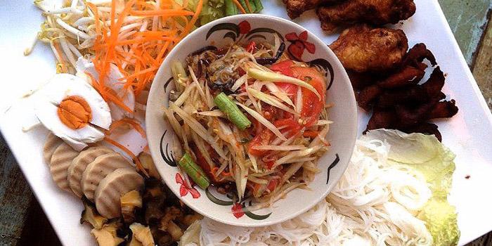 Papaya Salad Set from The Kitchen at Yenakat at 26, 3 Yen Akat Rd Thung Maha Mek, Sathon Bangkok