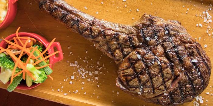 Tomahawk Steak from El Gaucho Argentinian Steakhouse at 87 Langsuan Road Unit B101 Velaa Sindhorn Village, Lumpini Bangkok
