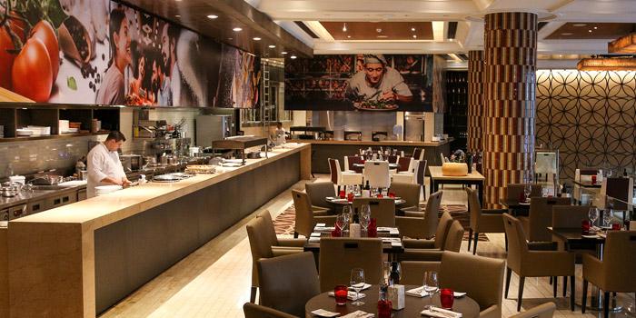 Ambience of Volti ristorante & bar at Shangri-La Hotel, Bangkok