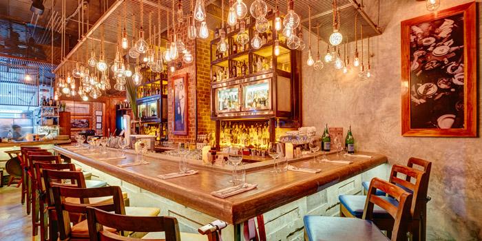 The Counter Bar of El Gaucho Argentinian Steakhouse at 88,36 Sukhumvit 55, Thonglor Klongton Nua, Wattana Bangkok