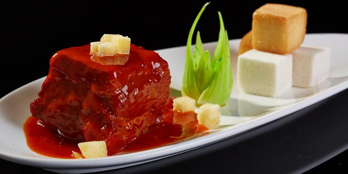 Pork Belly with Brown Sauce from Red Rose Restaurant & Jazz Bar at Shanghai Mansion in Yaowaraj Road, Samphantawong, Bangkok