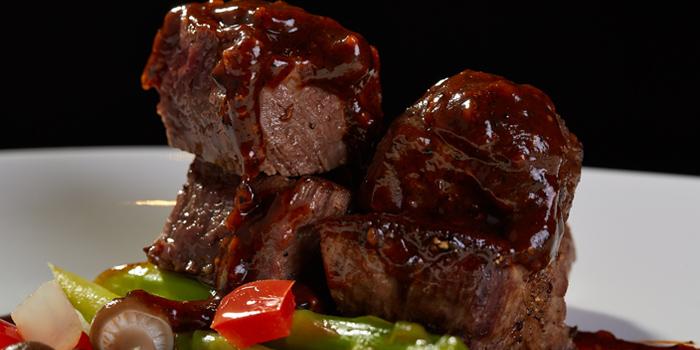 Pan Fried Beef with Black Pepper Sauce from Red Rose Restaurant & Jazz Bar at Shanghai Mansion in Yaowaraj Road, Samphantawong, Bangkok