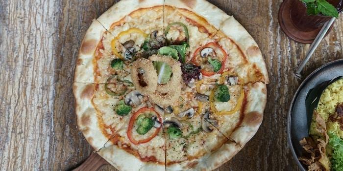 Pizza at Toepak Bar & Dine