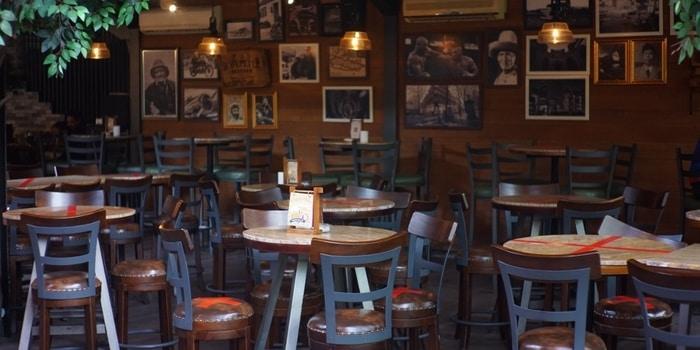 Indoor Bawah at Toepak Bar & Dine