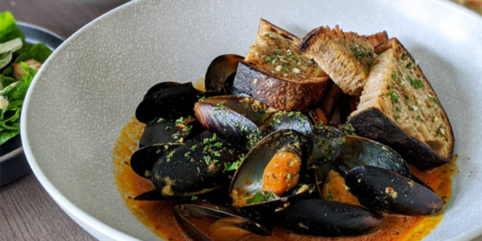 Steamed Mussels from Clan Cafe at Outram, Singapore