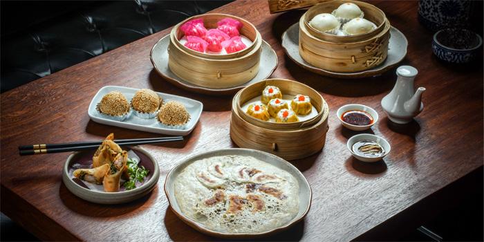 Twelve Chinese Dining