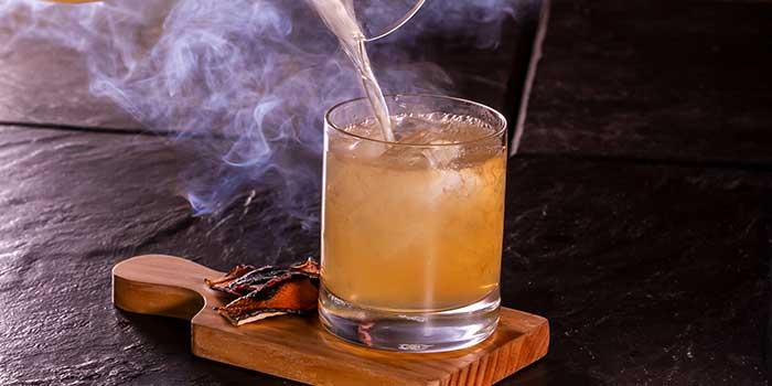 Islay Penicillin at Carbon by The Dining Room (Raffles Hotel Jakarta)