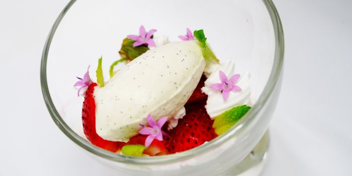 Strawberry Eton Mess from Anti:dote at Fairmont Singapore in City Hall, Singapore