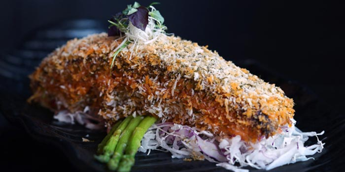 Nori Crusted Spicy Salmon from Kinki Restaurant in Collyer Quay, Singapore