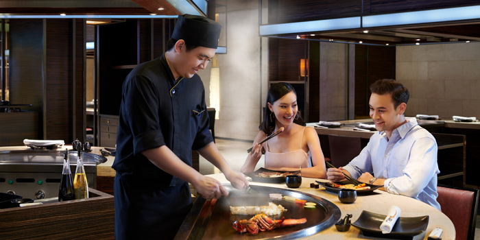 Ambience of Nami Teppanyaki Steakhouse at JW Marriott Hotel Bangkok (LL Floor) 4 SukhumvitSoi 2, Sukhumvit Rd Bangkok