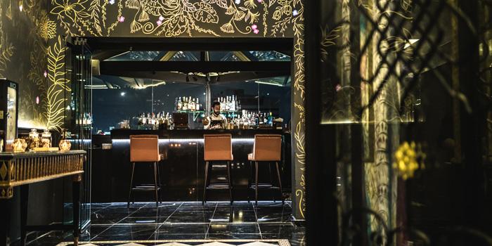 Ambience of 1826 Mixology & Rooftop Bar at Rembrandt Hotel & Suites Bangkok 19 Sukhumvit Soi 18 Khlong Toei, Khlong Toei Bangkok