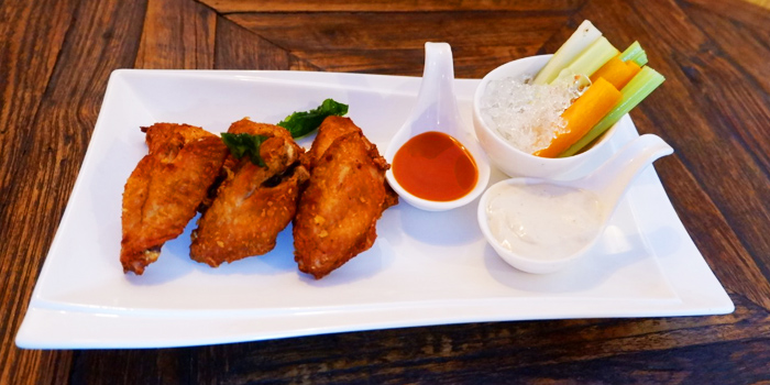 Chicken Wings from Blue Boar Pub & Restaurant at 21/3 Sukhumvit Soi 18, Khlong Toei, Khlong Toei, Bangkok