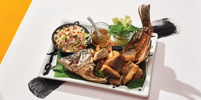 Fried Whole Sea Bass with Spicy Green Mango Sauce, Greyhound Café Galleria, Tsim Sha Tsui, Hong Kong