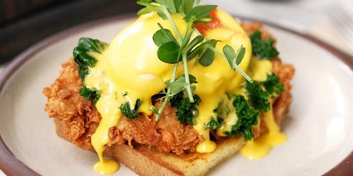 Chicken Benedict at Devon Café (Senayan City)