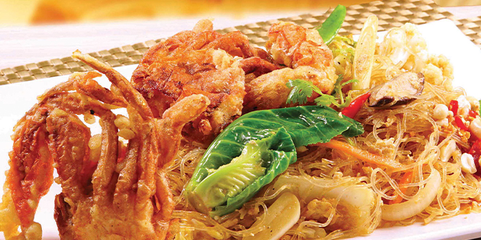 Glass Noodle Softshell Crab from Bali Thai (IMM Building) at IMM Building in Jurong, Singapore