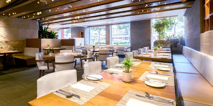 01 Dining Area Daytime, Mall Café, Tsim Sha Tsui, Hong Kong
