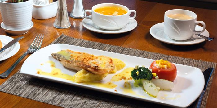 02-Panfried-Fillet-Barramundi-LunchSet, Mall Café, Tsim Sha Tsui, Hong Kong