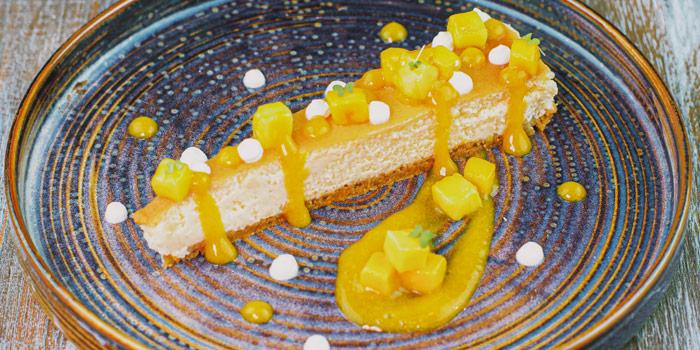 Cheese Cake from Leon by Cocotte at Emquatier G Floor, 693-695 Sukhumvit Rd, Khlong Tan Nuea, Watthana, Bangkok