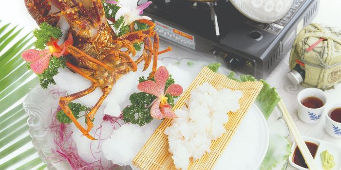 Live Southern Australian Lobster Sashimi from Long Beach @ Robertson Quay at The Quayside in Robertson Quay, Singapore