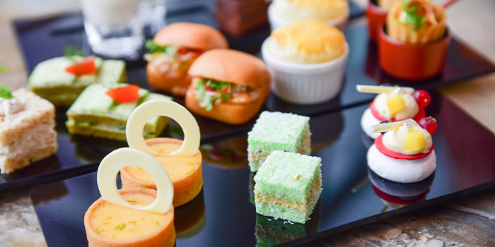 Best fo Both Worlds  Afternoon Tea from The Courtyard at The Fullerton Hotel Singapore in Raffles Place, Singapore