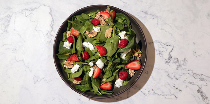 Summer Strawberry Spinach Salad with Feta from Se7enth at OUE Downtown 1 in Tanjong Pagar, Singapore