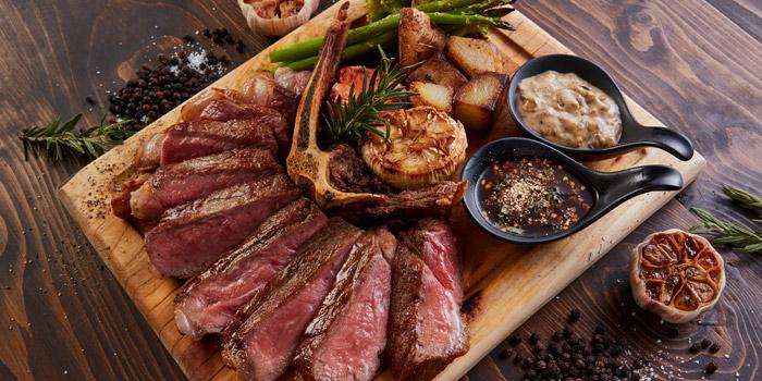 Grilled New York Steak from Best Country Beef Steakhouse at The BOB Design-Led Hostel 112/6 Soi Sukhumvit 63, Khlong Tan Nua, Wattana, Bangkok