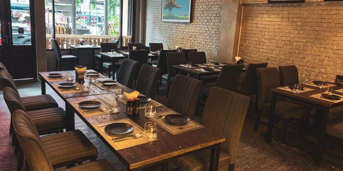 The Dining Area of Best Country Beef Steakhouse at The BOB Design-Led Hostel 112/6 Soi Sukhumvit 63, Khlong Tan Nua, Wattana, Bangkok