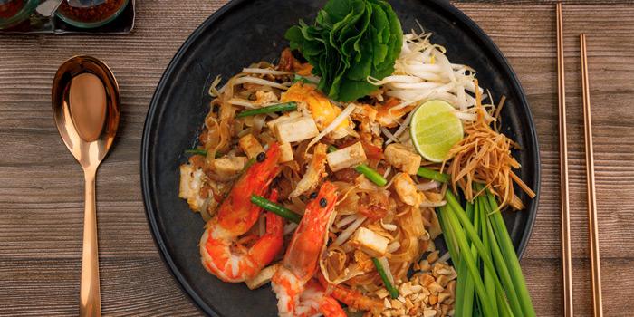 Phad Thai Goong Sod from You & Mee Restaurant at Grand Hyatt Erawan, Bangkok