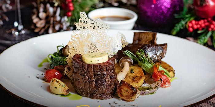Cherish Christmas at Cutt & Grill