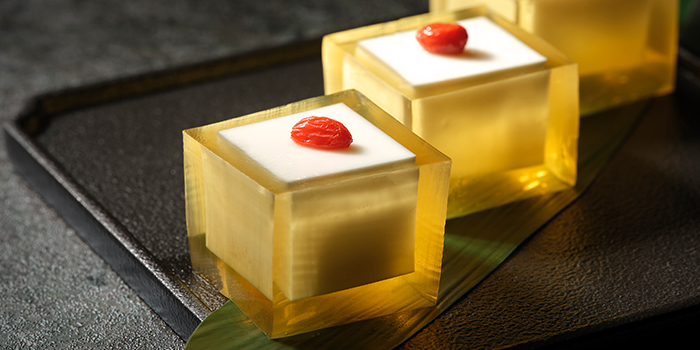 Osmanthus Jelly with Almond from Si Chuan Dou Hua (Kitchener Road) in Little India, Singapore