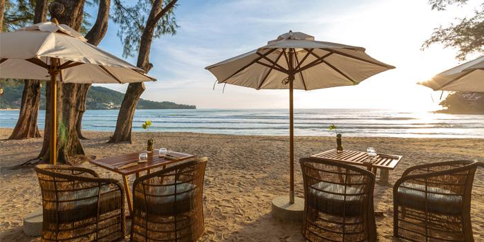 Atmosphere of Pine Beach Bar in Phuket, Thailand