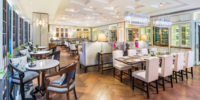 Ambience of Rain Tree cafe at The Athenee Hotel, A Luxury Collection Hotel 61 Wireless Road, Lumpini, Pathumwan Bangkok