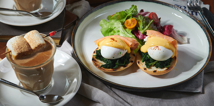 Eggs Benedict Florentine from Bangkok Trading Post Bistro & Deli at 59/1 Sukhumvit Soi 39 Klongton-Nua, Wattana Bangkok