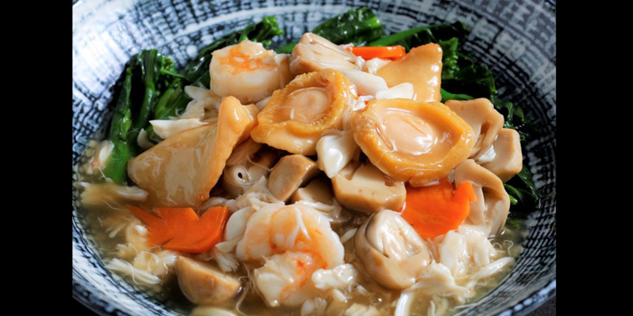 Seafood Noodle from The Silk Road at The Athenee Hotel, A Luxury Collection Hotel 61 Wireless Road, Lumpini, Pathumwan Bangkok