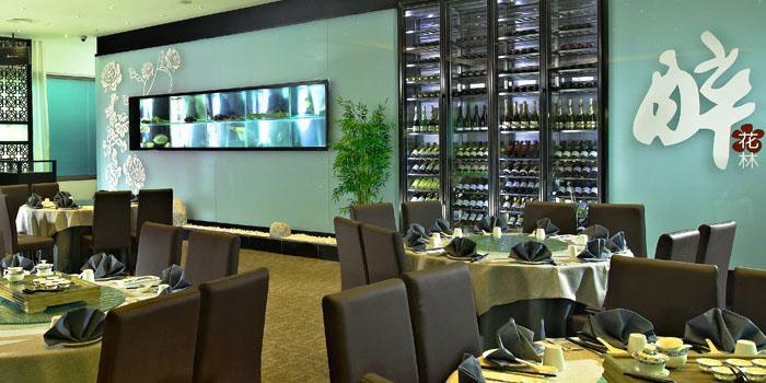 Interior of Chui Huay Lim Teochew Cuisine in Newton, Singapore