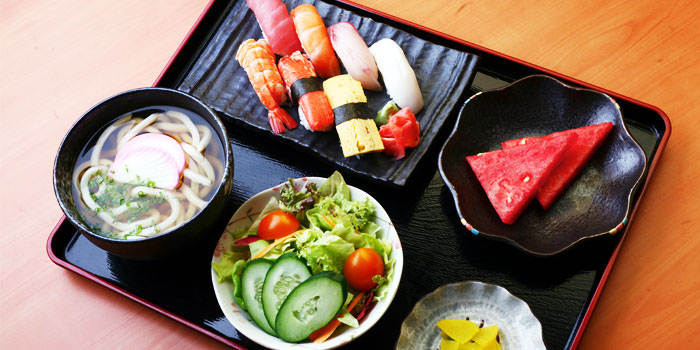 Udon Sushi Set from Standing Sushi Bar (Odeon Towers) in City Hall, Singapore